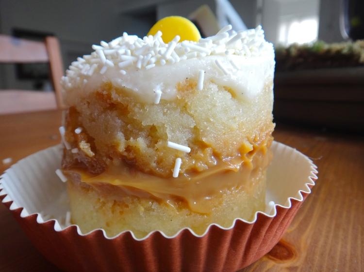 Vanilla Cake with Dulce de Leche